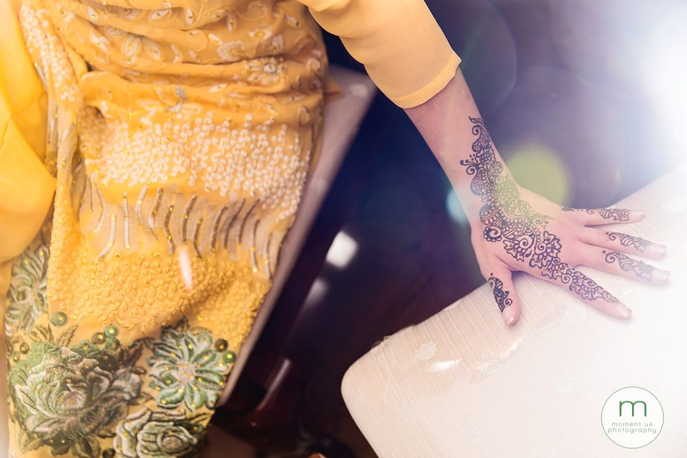 mehndi on bride's hand