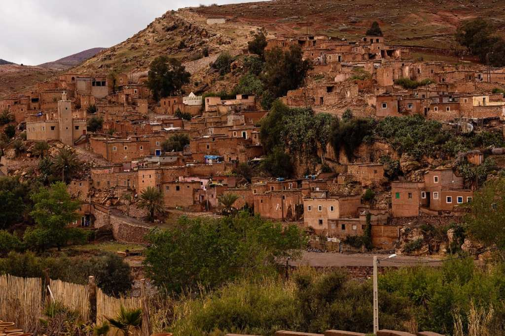 Wedding photographer in Morocco - mountain view near Imlil