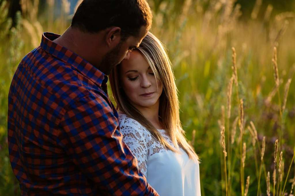 Romantic rural Ontario engagement shoot in summer field