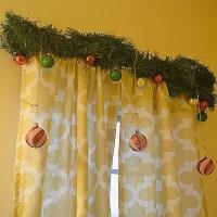 A Decorated Christmas Bathroom