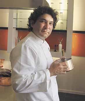 Gaston acurio le ducasse p ruvien mon chef de cuisine for Poste chef de cuisine