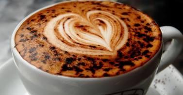 café suspendu