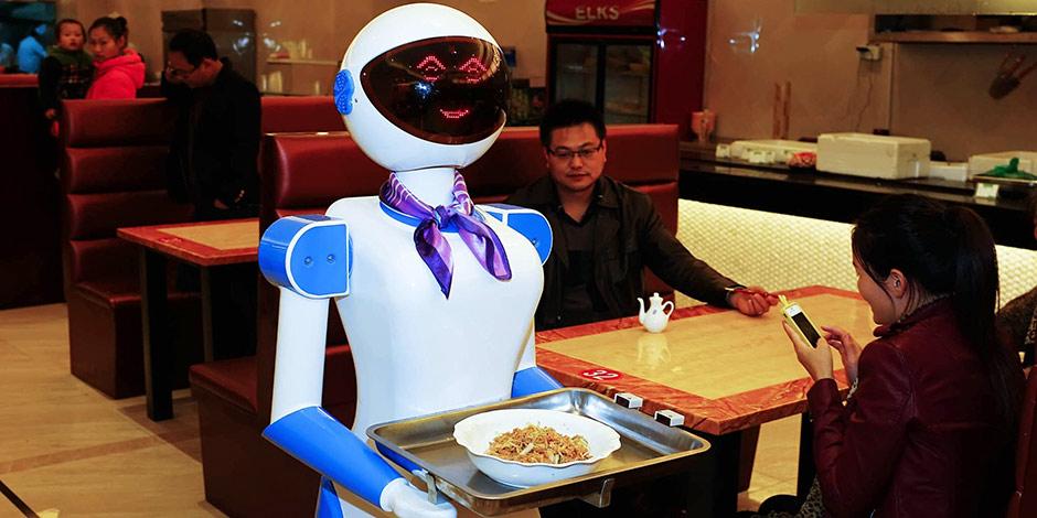 robot serveur japon