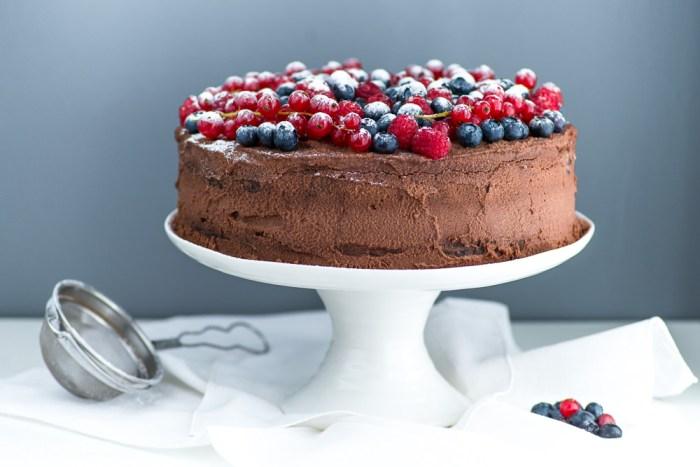 Chocolate-Berries-Birthday-Cake--2