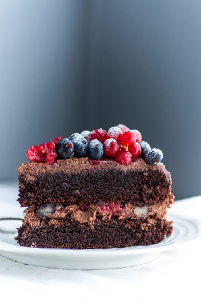 Chocolate-Berries-Birthday-Cake--8