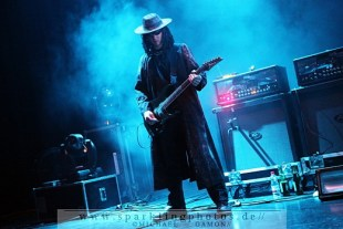 2010-12-27_Fields_Of_The_Nephilim_-_Bild_006x.jpg