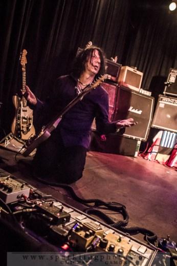 2013-12-21_Dead_Guitars_-_Bild_004x.jpg