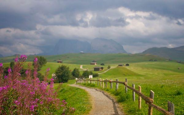En-route to paragliding in Alpe di Siusi (Seiser Alm)