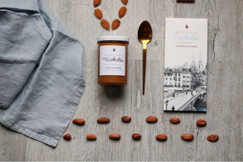 tablette de chocolat fabriqué au pays basque recette d'antan et pâte à tartiner aux amandes de Provence par Monsieur txokoloa