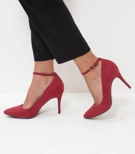 chaussures-rouges-pointues-a-talons-et-brides-de-cheville-confortables-en-suedine