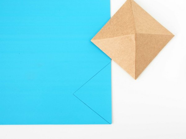 DIY-Geometric-Mirror-Wall-Decor-triangle