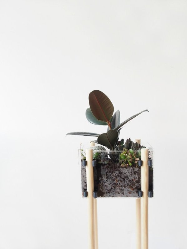 DIY-Contemporary-Raised-Planter