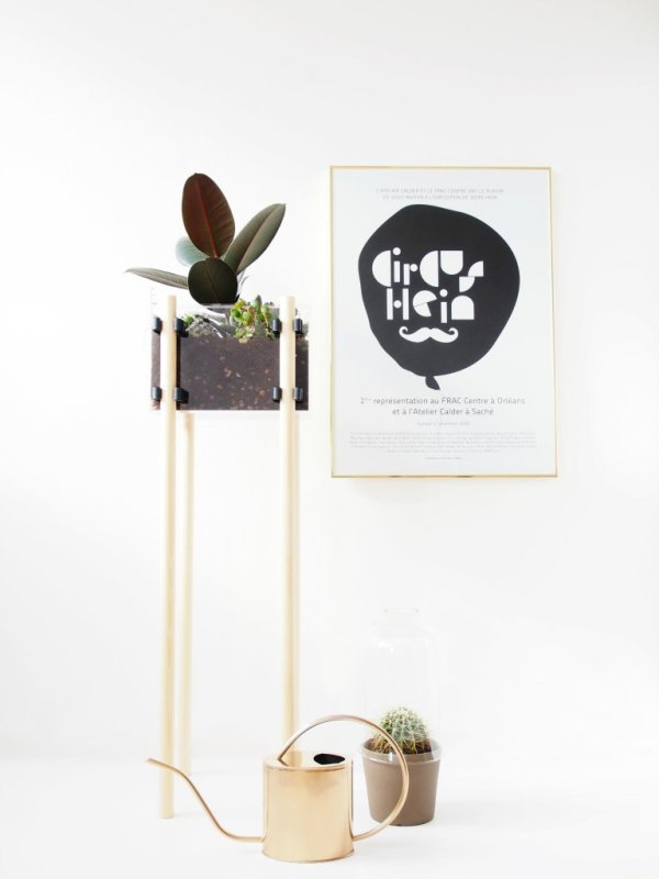 DIY-Raised-Display-Planter