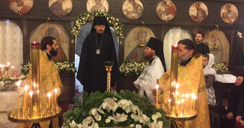 Архиeрейское служение в храме Преподобного Серафима Саровского