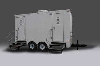 chalet-restroom-trailer-exterior