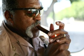 luis tiant cigar