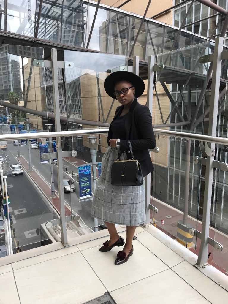 More Graca Finds skirt and vintage handbag