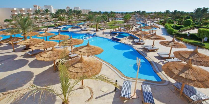Hilton_Hurghada_Long_Beach_a_1_whole_width_1299