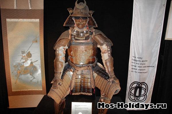 Самурайский доспех на выставке Самураи Art of War