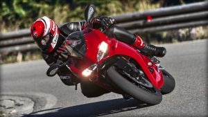 SBK-959-Panigale_2016_Amb-17_1920x1080.mediagallery_output_image_[1920x1080]