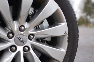 2013 Lincoln MKS 19-inch Wheels