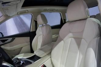 2015 NAIAS Audi Q7 Seats