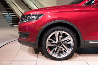 2015 NAIAS Lincoln MKX 21-inch Wheel
