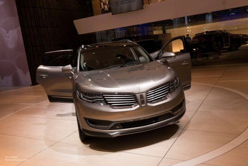 2015 NAIAS Lincoln MKX LED Headlights