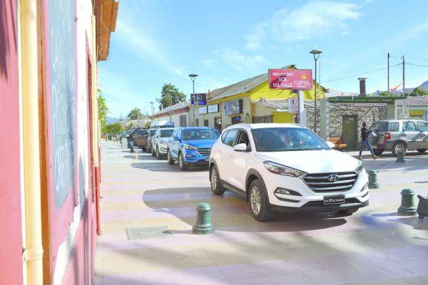 La nueva Hyundai Tucson 2016 en el pueblo de Vicuña, en Chile. Previo a su lanzamiento en Puerto Rico, fuimos hasta allá a probarla junto a otros periodistas latinoamericanos. FOTOS: Andrés O'Neill, Jr.
