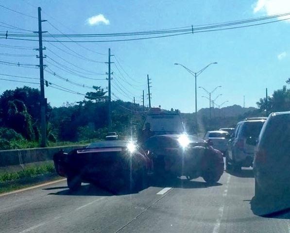 El NSX y el Crossfire según quedaron sobre la carretera.