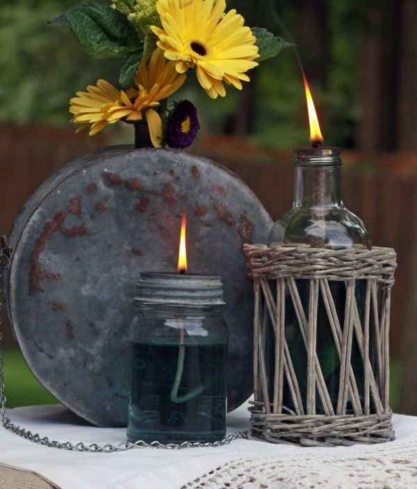 Creative Ways to Light up Mason Jars upcycledtreasures.com