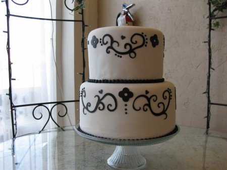 DIY Demask Wedding Cake
