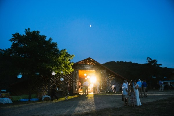 21-barn-at-night-western-north-carolina-wedding