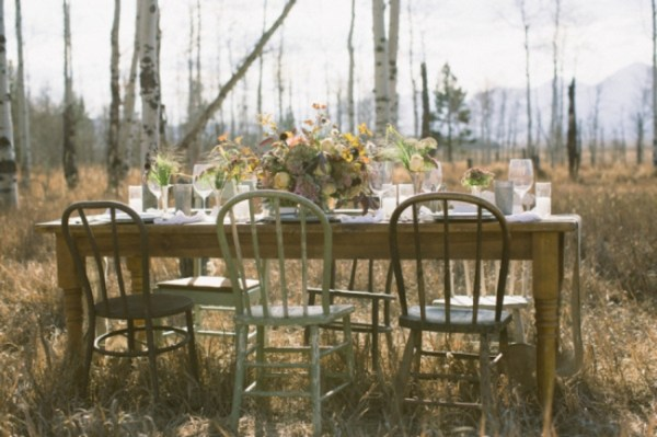 3-Jackson-Hole-wedding-inspiration-rustic-table-scape