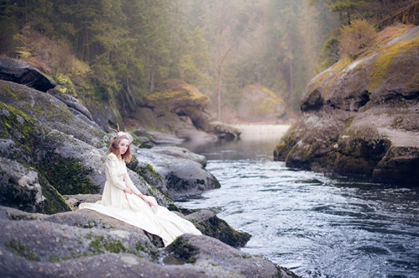 vintage woodland bridal shoot