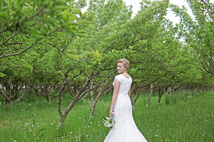 1 Utah Orchard Bridals | Amber Shaw Photography