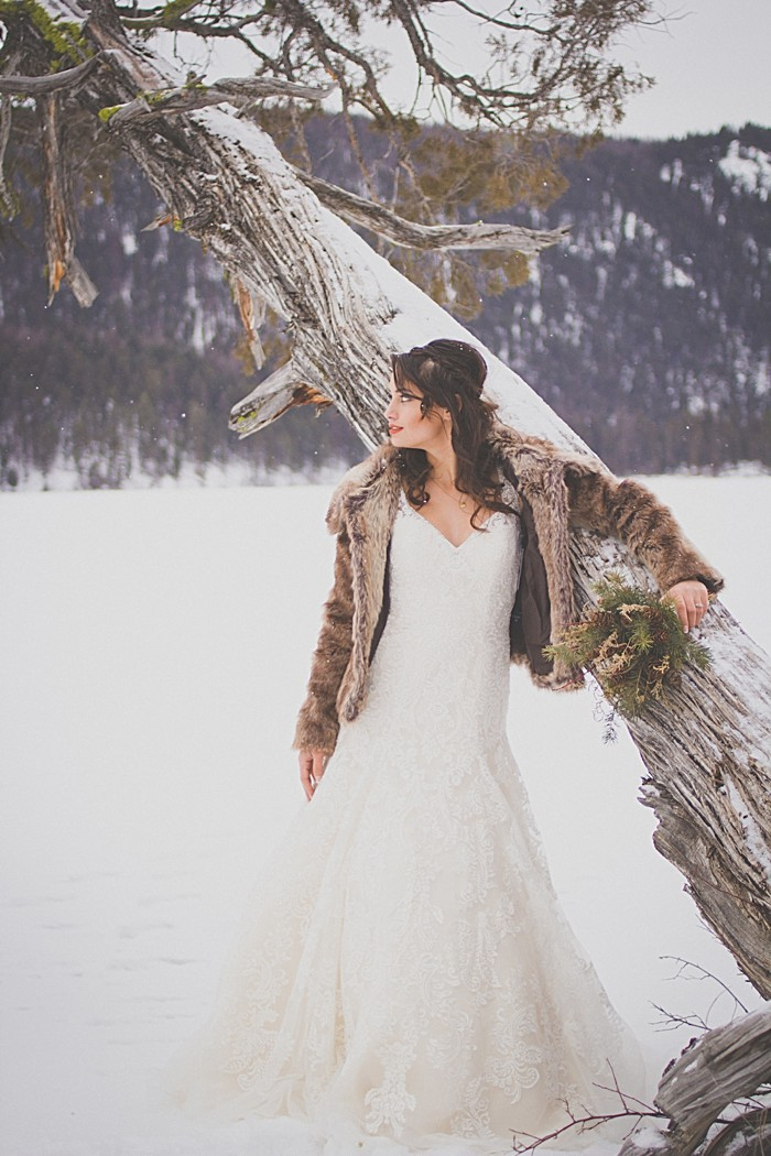 Snowy Winter Wedding Inspiration | Montana |Kelly Spurlock