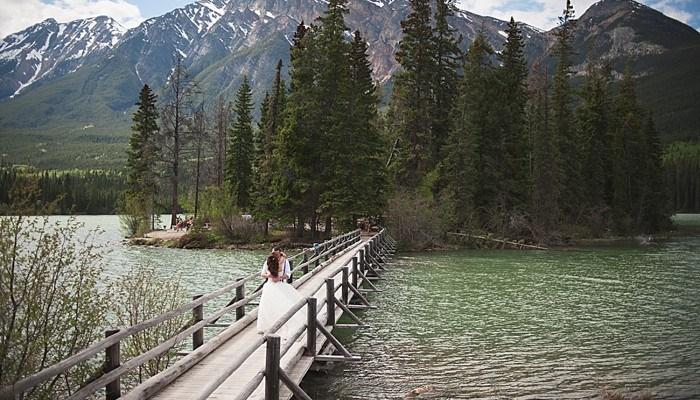 Rustic Pyramid Lake Mountain Wedding in Alberta