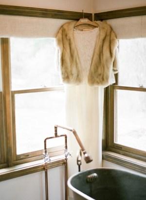 Wedding gown with fur wrap | Dunton Hot Springs Wedding |Laura Murray-0003
