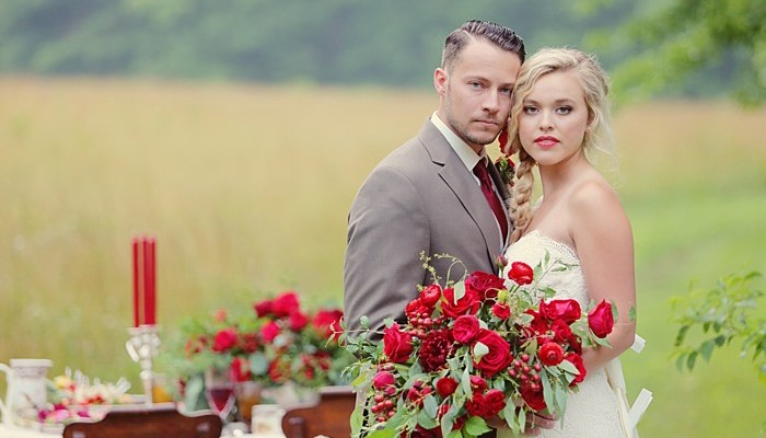 Red Woodland Wedding Inspiration in the Smoky Mountains