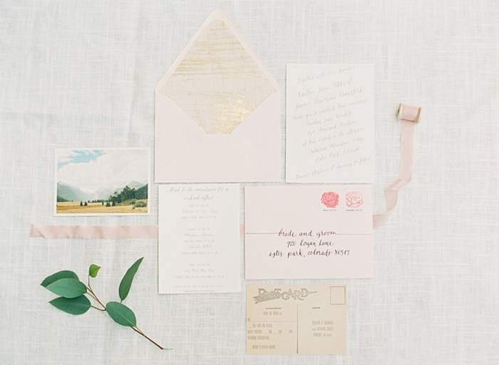 Classic wedding stationery | Estes Park Blush Pink Wedding | Photography by Connie Whitlock