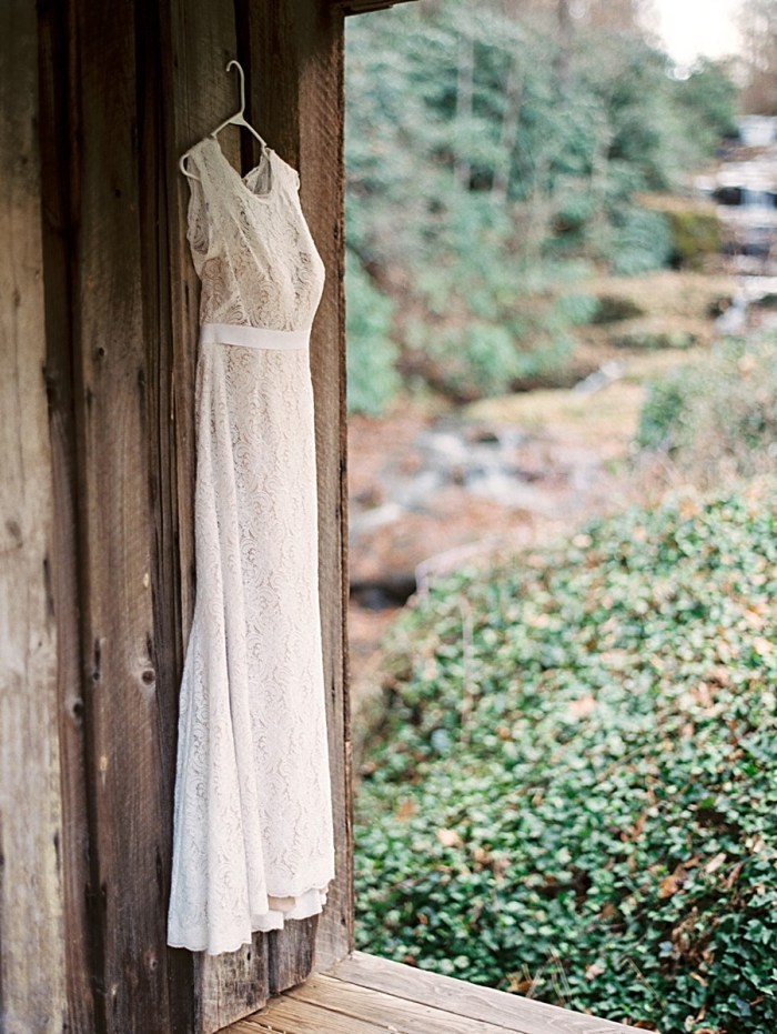 waterfall wedding in the Smoky Mountains | Photography by JoPhoto