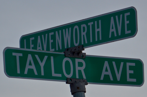 160129-taylor_avenue_sign-600p_wide-DSC_0680v2