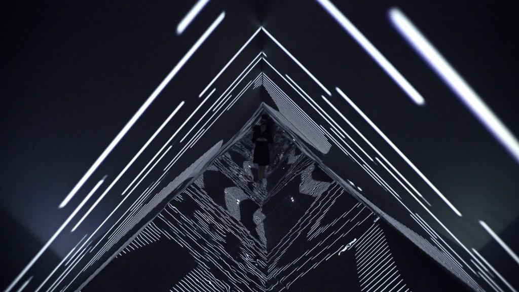 infinity-refik-anadol-mouvement-planant-06
