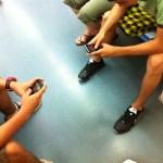 jugando con blackberry