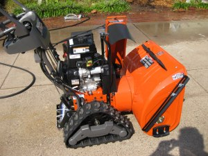 IMG 5467 300x225 Husqvarna 1830EXLT (2013 Model) Review 30 inch 414cc Track Drive Hydrostatic Snow Blower