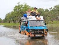 Un couple traverse 50 pays à bord de leur vieux van