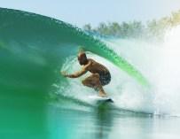 Kelly Slater vous invite à surfer sa vague parfaite !