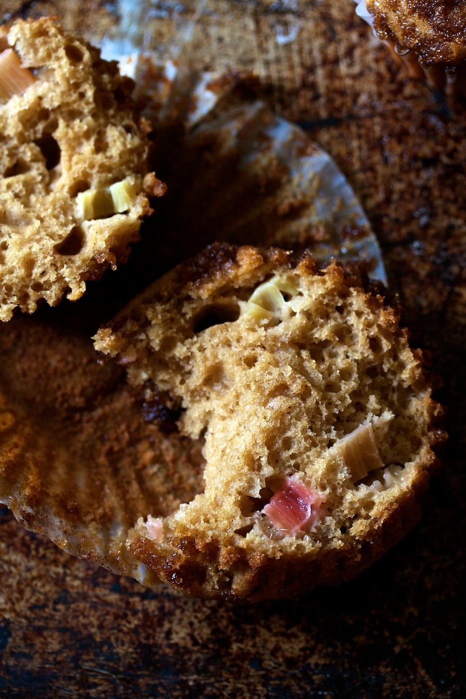 rhubarb muffins   movita beaucoup