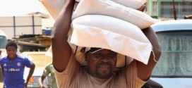 VIDEO : TB Joshua Carrying 3 Bags Of Rice on his head